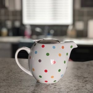 Polka dot, 3 cup teapot with diffuser.